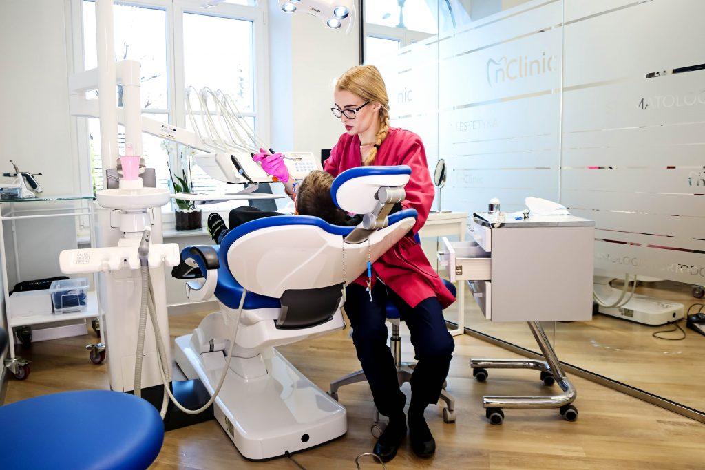 Ortodonta dziecięcy Świdnica - Leczenie Dzieci | nClinic